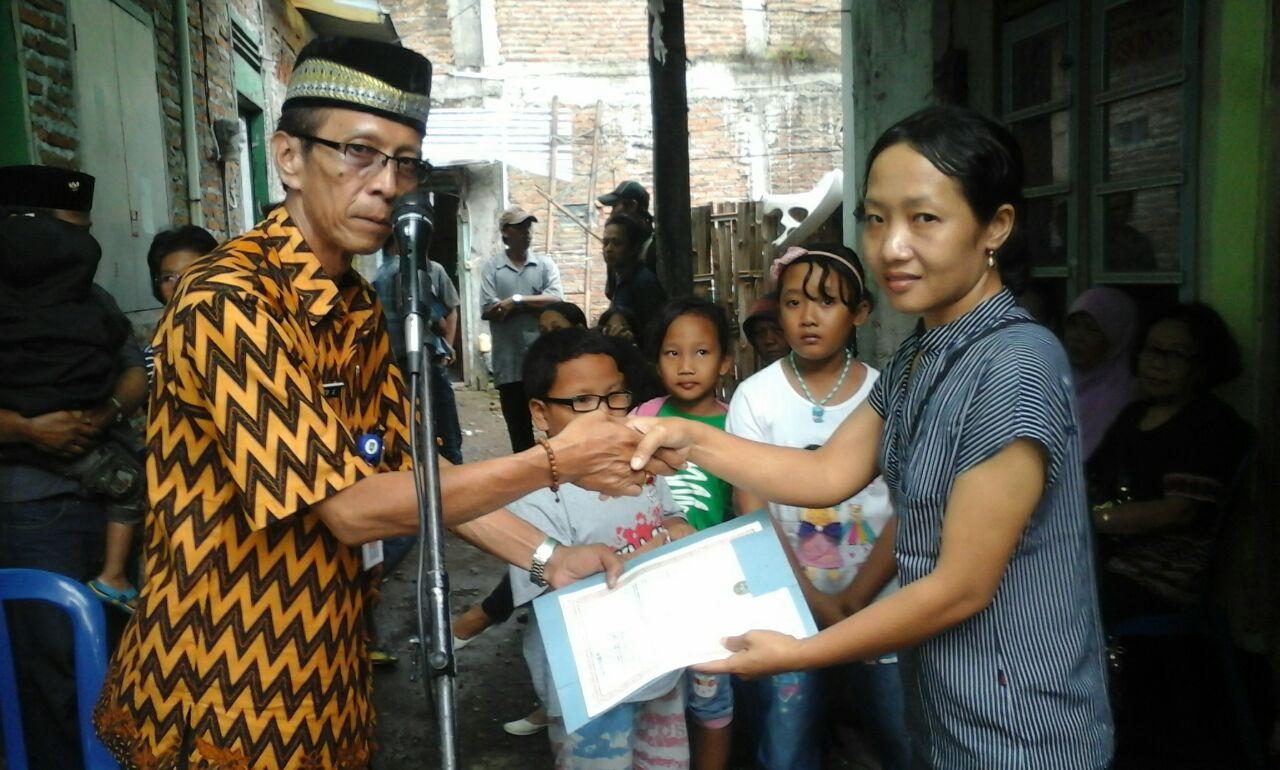 penyerahan besuk kiamat kelurahan semanggi 2