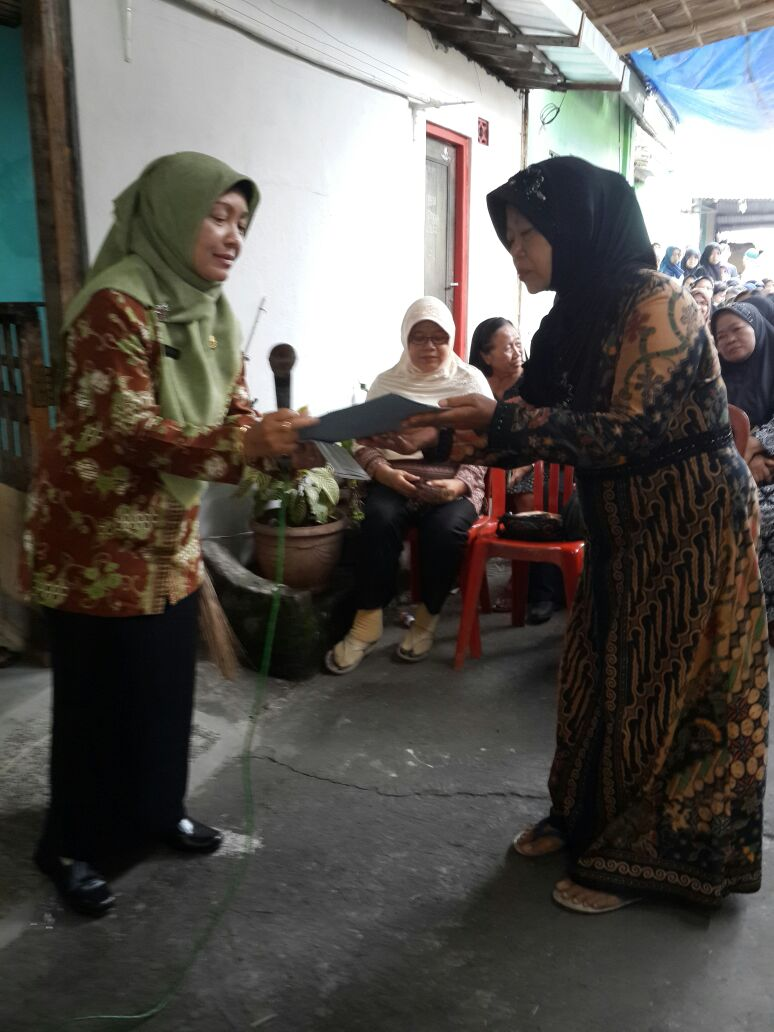 penyerahan besuk kiamat kelurahan serengan 5
